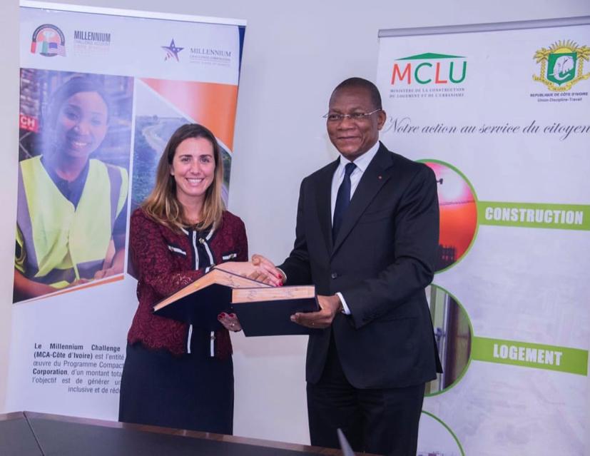 Signature des accords avec les entités de mise en œuvre du projet Abidjan Transport, le Ministère de la Construction du Logement et de l'Urbanisme s'engage !